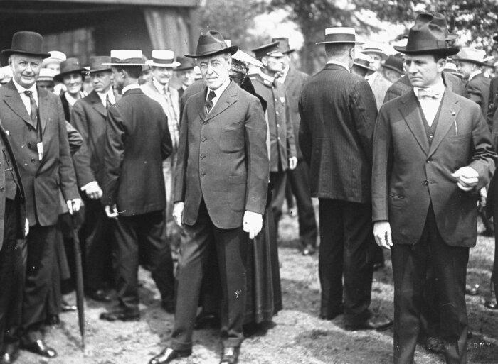 Вудро Вильсон в Европе, по делам, связанным с Парижской мирной конференцией 1919 года. \ Фото: imperialglobalexeter.com.