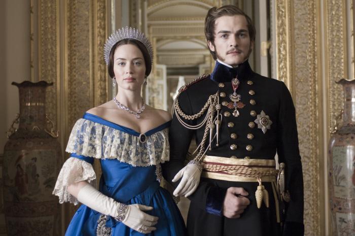 Королева Виктория и принц Альберт (Кадр из фильма: Молодая Виктория). \ Фото: archiv.polyfilm.at.