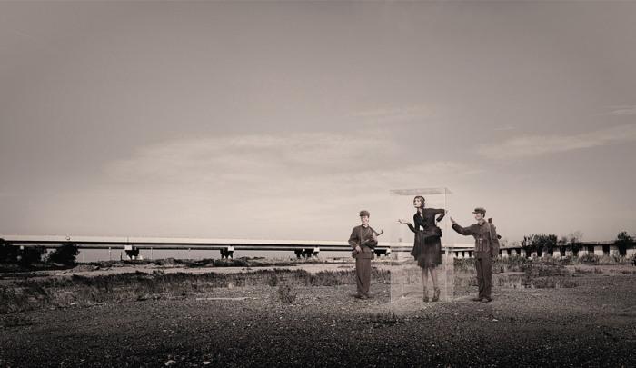 Мода и военная тематика. Автор: Quentin Shih.