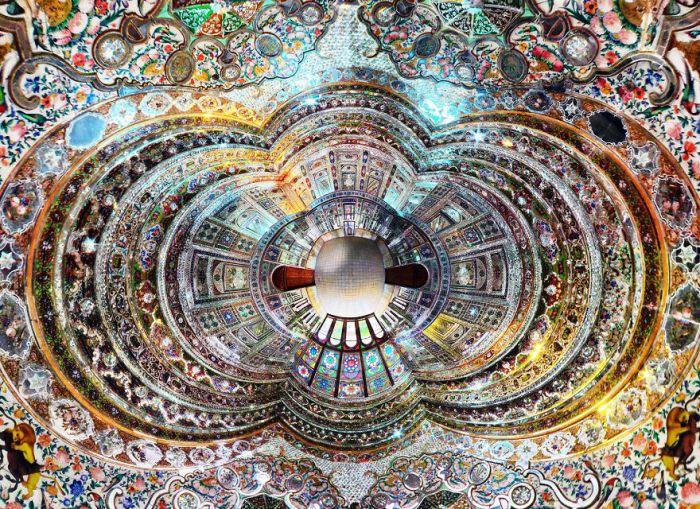 Mirror Room. (Зеркальная комната). Автор фото: Ramin Rahmani Nejad.