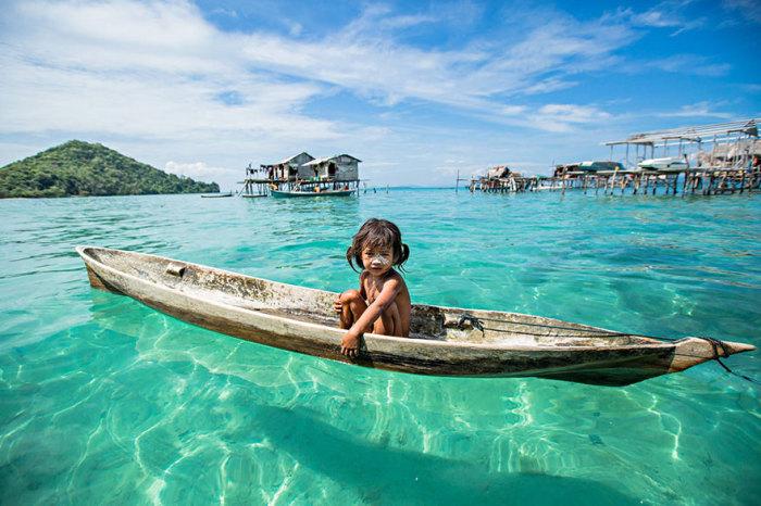 Баджау - морские цыгане с острова Борнео. Автор фото: Rehahn.
