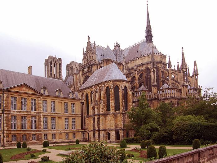 Собор Богоматери. (Нотр-Дам де Реймс). Реймс - город королей. Франция.