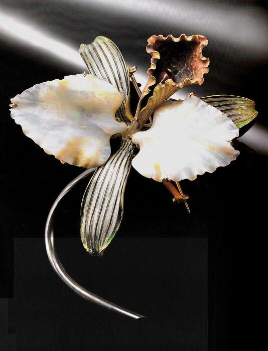 Брошь Орхидея: золото, серебро, опал, эмаль, 1898-1902 гг. \ Фото: pinterest.com.