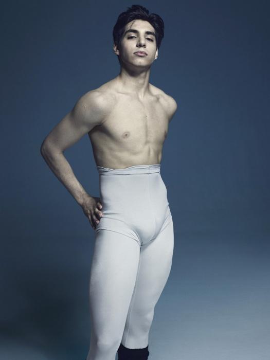 Солист английского Национального балета Сезар Корралес, 2015 год. Автор фото: Рик Гест (Rick Guest).
