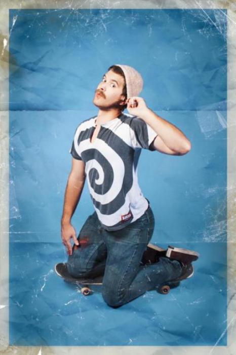 Очаровательный скейтер. Pin-Up по-мужски. Автор фото: Риона Сэбина (Rion Sabean).