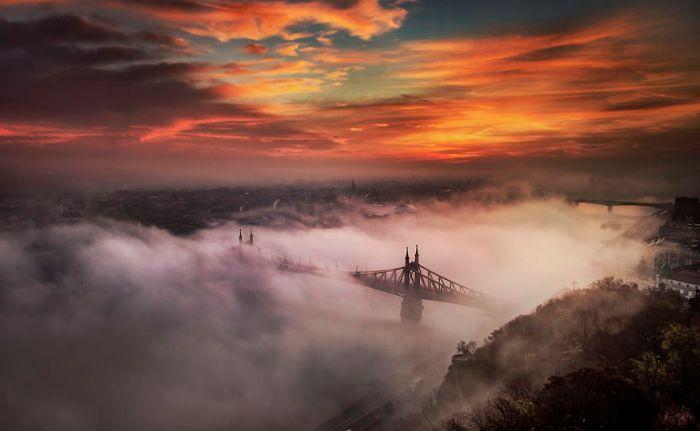 Туманный Будапешт. Автор: Tamas Rizsavi.