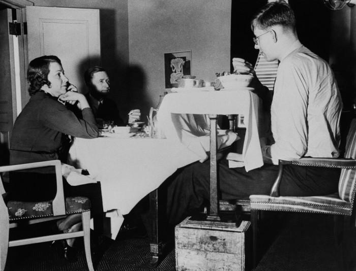 Семейный ужин, 1938 год.