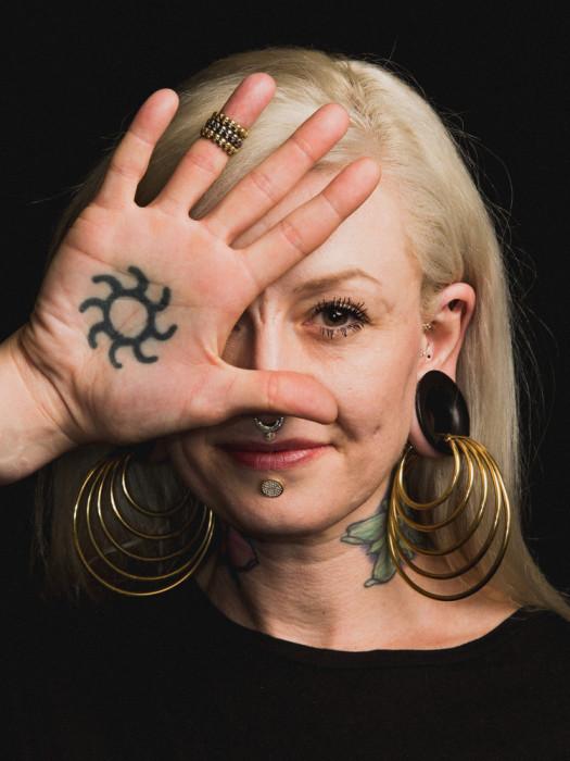 Лайза Тейлор. Стиль - Maya Jewelry. Автор фото: Роджер Кисби (Roger Kisby).