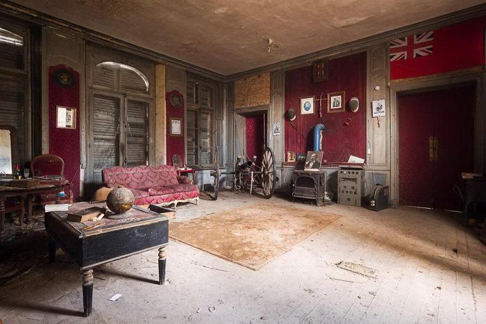 Заброшенный британский интерьер. Автор: Roman Robroek.