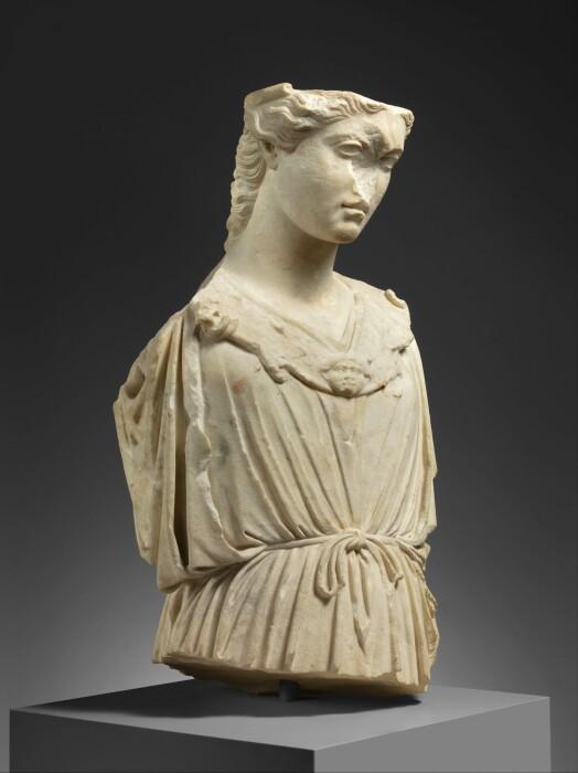 Римская мраморная голова и бюст Афины, I-II век н. э. \ Фото: ar.m.wikipedia.org.
