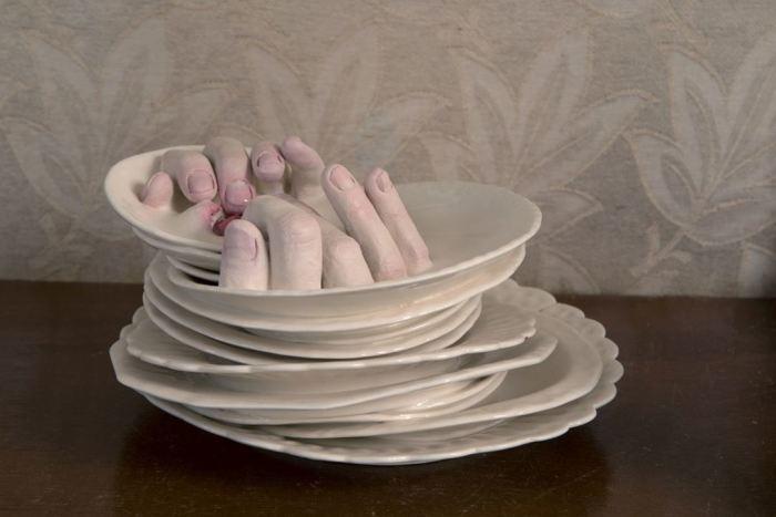 Живые тарелки. Автор: Ronit Baranga.