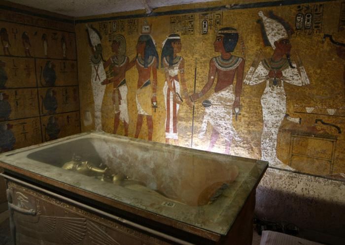 Карл II хранил несколько древнеегипетских мумий, чтобы собрать с них пыль. \ Фото: time.com.
