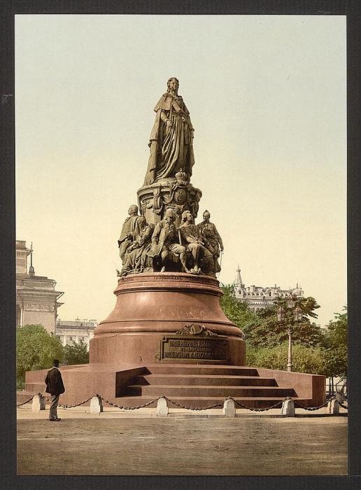 Памятник Екатерине II на площади Островского перед Александринским театром, Санкт-Петербург.