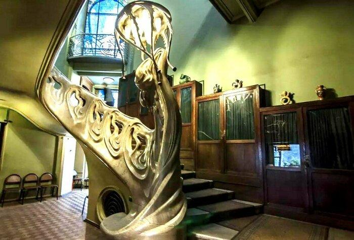 Лестница в доме Степана Рябушинского, 1900-1903 гг., Москва, Россия. \ Фото: yandex.ru.