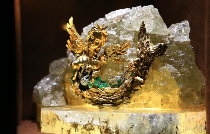 Лебединое озеро, 1959 года, золото, бриллианты, сапфиры, аквамарины, изумруды, горные кристаллы. \ Фото: google.com.