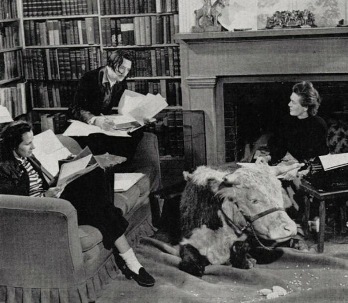 Сальвадор Дали, Гала и Каресс Кросби, 1941 год.