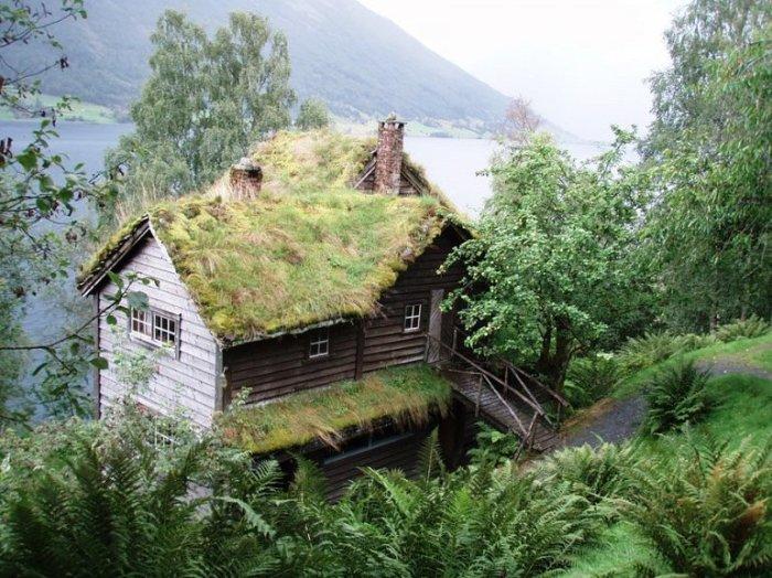 Как видите, сказочные домики можно увидеть не только в кино и на книжных иллюстрациях, а и в жизни.