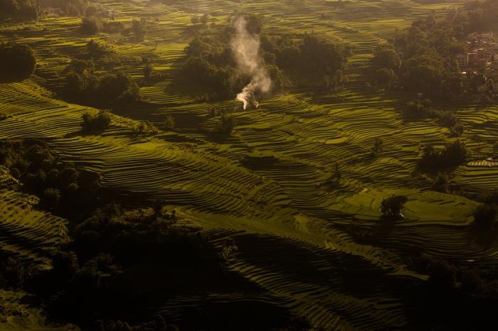 Поздним вечером. Вид на рисовые террасы. Автор фото: Scott Gable.