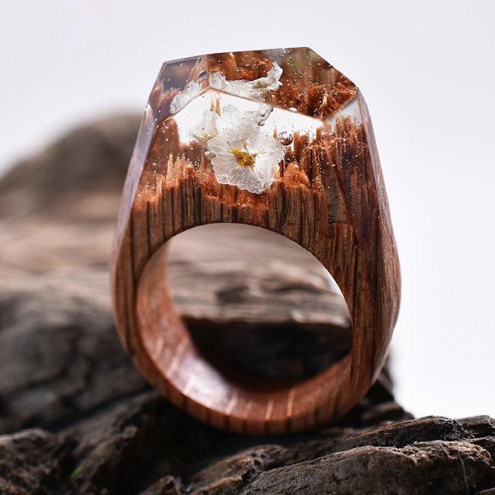 Лес белых цветов. Магазин: Secret Wood.