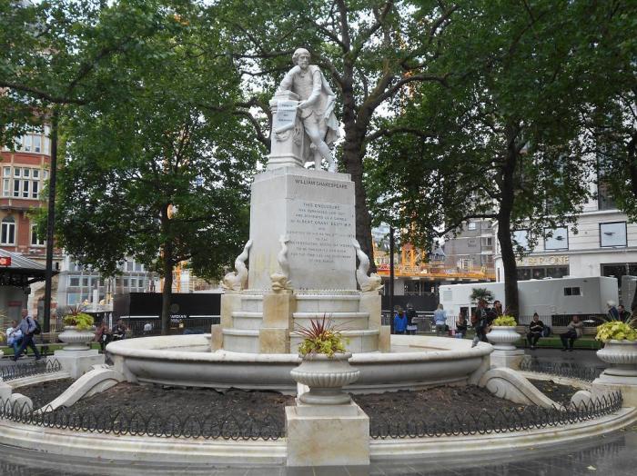 Памятник Шекспиру в Лондоне. \ Фото: sculpture-world.livejournal.com.
