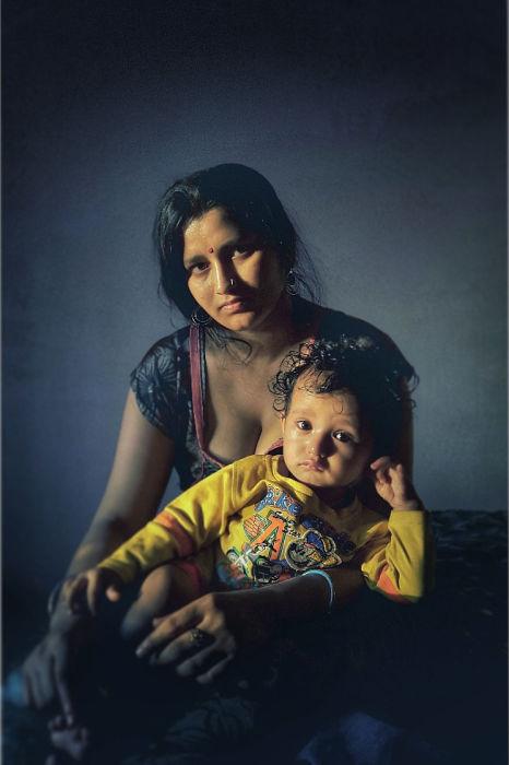 Женщина с ребёнком. Автор: Shashank Shekhar.