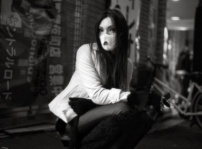 Монохромная жизнь бездомных и нищих японцев. Автор фото: Шинья Аримото (Shinya Arimoto).