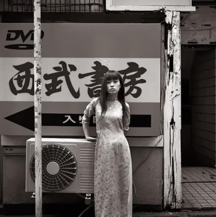 Коротая дни. Автор фото: Шинья Аримото (Shinya Arimoto).