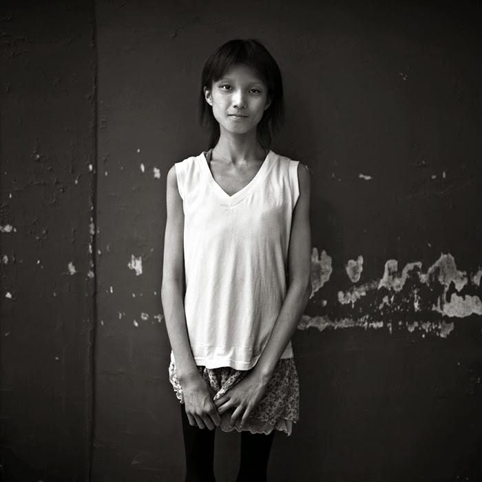 Девочка улиц. Автор фото: Шинья Аримото (Shinya Arimoto).
