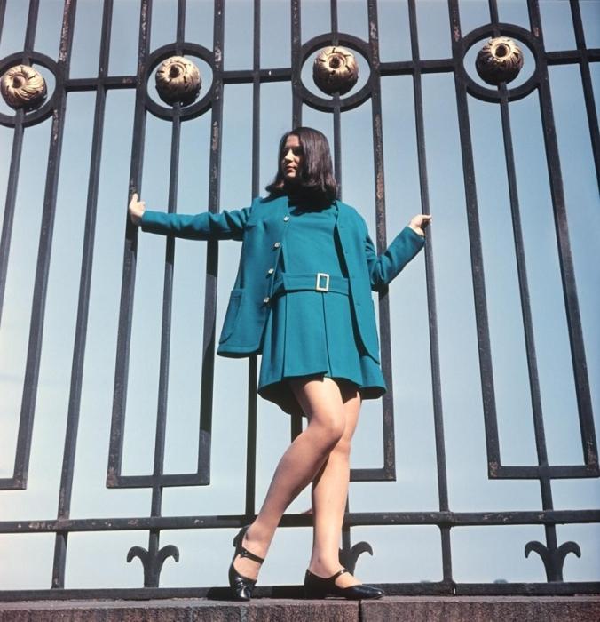 Платье и жакет цвета морской волны, 1970-е годы.
