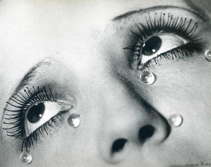 «Стеклянные слёзы» Ман Рэя. \ Фото: thesketchline.com.