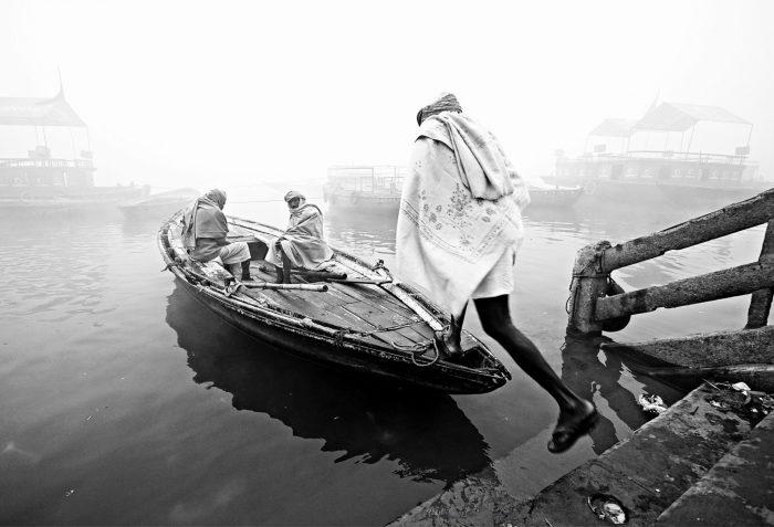 Переправа. Автор: Manish Khattry.