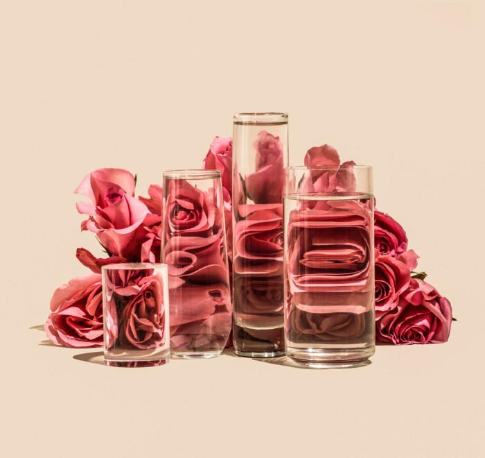 Розовые розы. Автор: Suzanne Saroff.