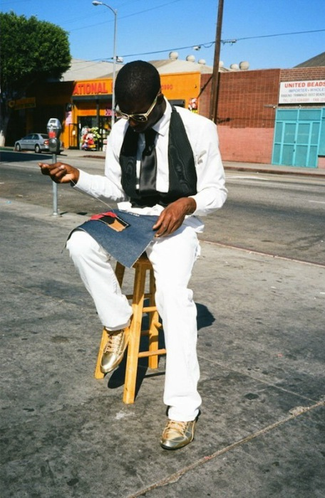 Джей Си, шитье на улице Сан-Педро. Автор фото: Geraldine Freyeisen.