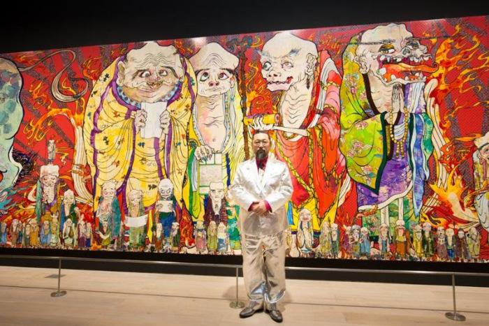 Такаси Мураками со своим творением.