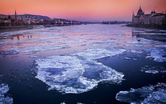 Ледяные островки. Автор: Tamas Rizsavi.