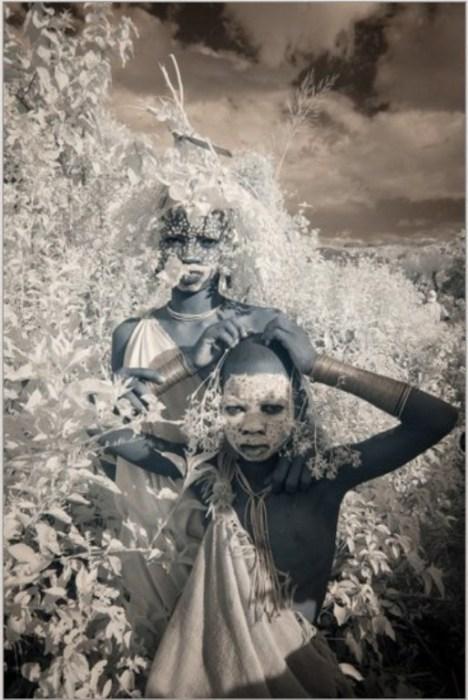 Племенные жители. Автор фото: Терри Голд (Terri Gold).