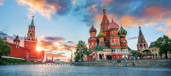 Москва — это Содом и Гоморра в одном флаконе и чинная тишина почти совсем деревенских переулков Замоскворечья.