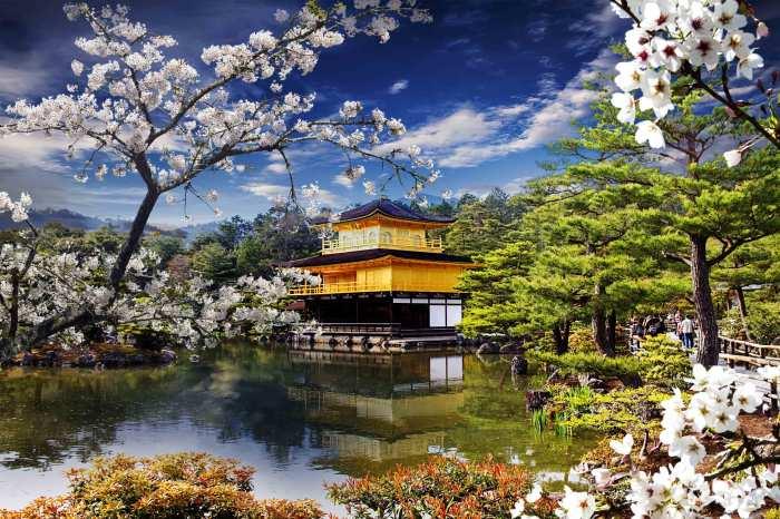 Киото - хранилище лучших достижений японского искусства, культуры, религии и мысли.