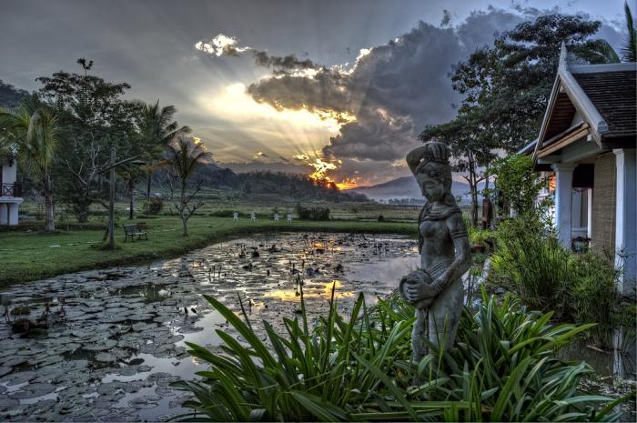 Неспешный и очаровательный Луангпрабанг можно без зазрения совести назвать одним из самых привлекательных городов в ЮВА.