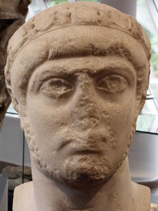 Император Грациан. \ Фото: af.wikipedia.org.