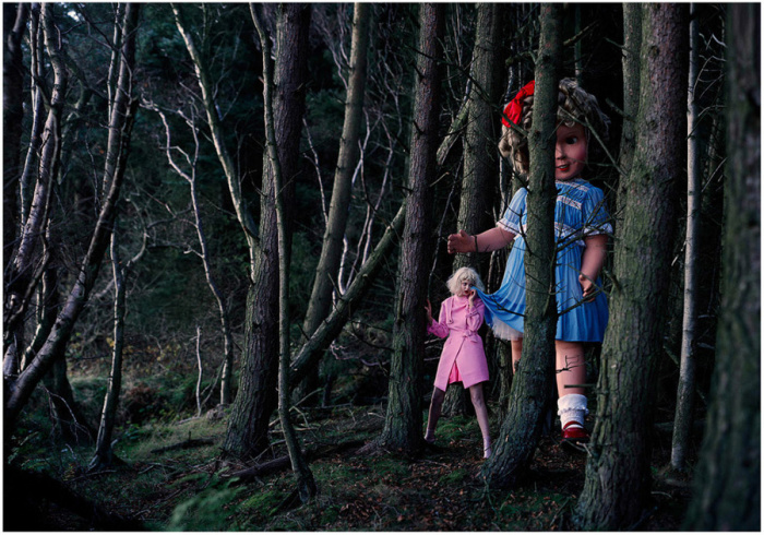 Педиофобия - боязнь кукол. Автор: Tim Walker.