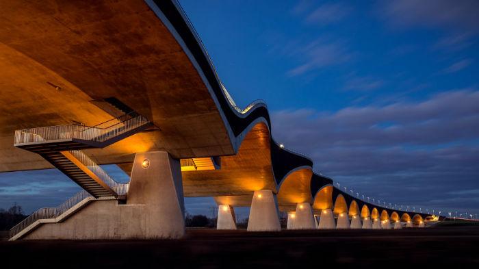 Мост в Неймегене. Автор: Tobias Gawrisch.