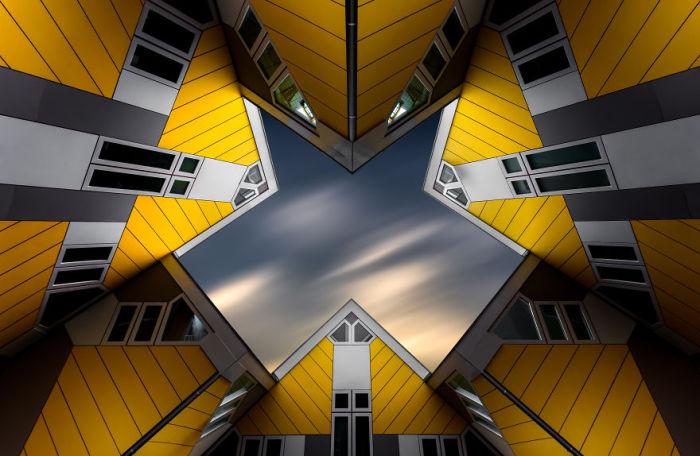 Знаменитые кубические дома в Роттердаме. Автор: Tobias Gawrisch.