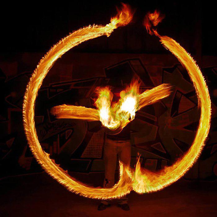 Огненный знак. Фото Tom Lacoste.