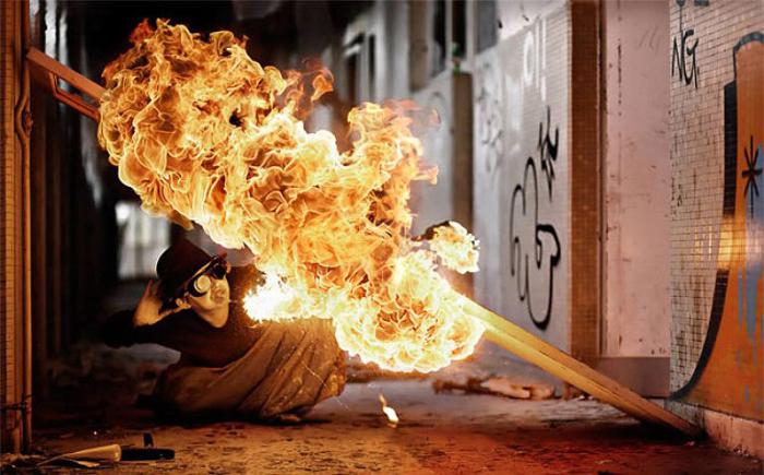 Маг огня. Фото Tom Lacoste.