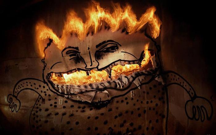 Огненная улыбка. Фото Tom Lacoste.