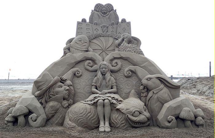 Алиса. Автор: Toshihiko Hosaka.