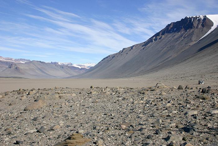 В Антарктиде есть места, где за 2 миллиона лет не было ни дождя, ни снега.