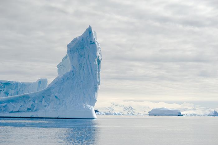 Из-за изменения климата Антарктида потеряла 3 триллиона тонн льда всего за 25 лет.
