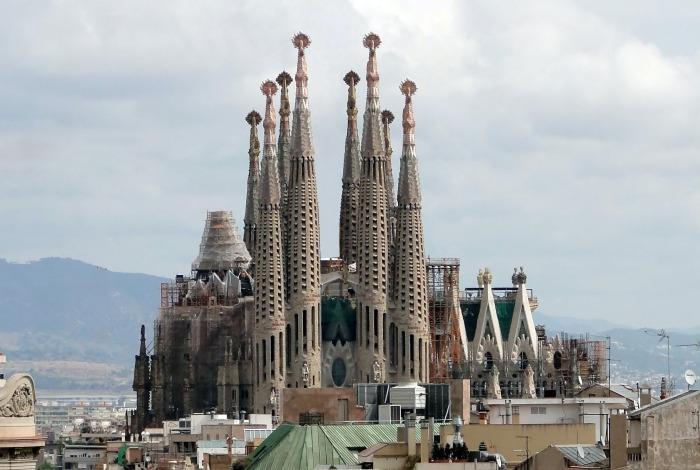 Храм Святого Семейства, Барселона. \ Фото: archinect.com.